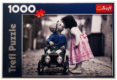 Пазл Первый поцелуй Trefl 1000