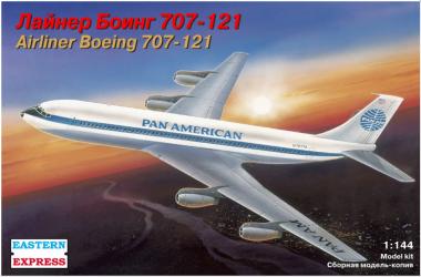 Авиалайнер Б-707 1:144